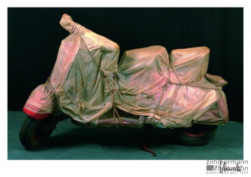"Christo ""Wrapped Vespa 1963/2001 """