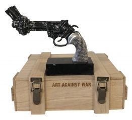 "Diederik van Appel ""Revolver Black Amex - Art against war"""